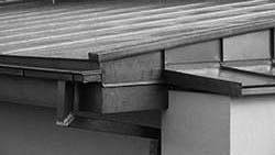 Rénovation du toit d'une banque Raiffeisen